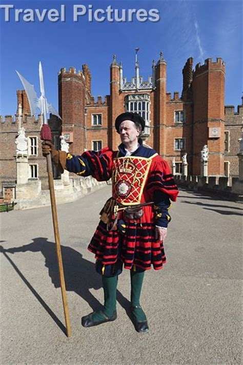 Pelapis Wardah 17 best images about yeoman warders on