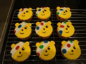 lauralovescakes pudsey bear cupcakes for children in need