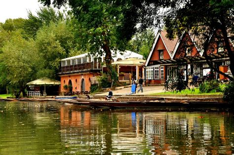 cherwell boat house oxford cherwell boathouse restaurant experience oxfordshire
