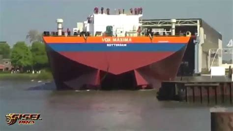 ship youtube awesome big ship launches youtube