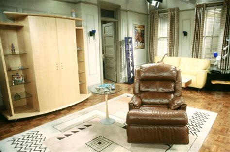 and s apartment chandler and joey s apartment friends central tv show