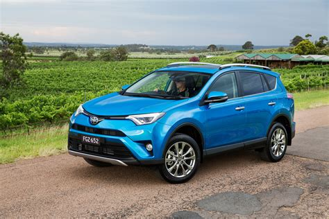 2016 toyota rav4 pricing and specifications photos 1 of 14