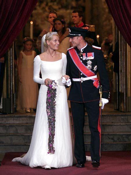 hochzeitskleid mette marit royal bride mette marit and hakoon of norway the