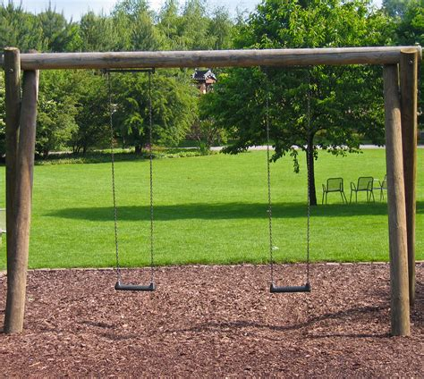 swing accident swing set accident attorney child injury lawsuit