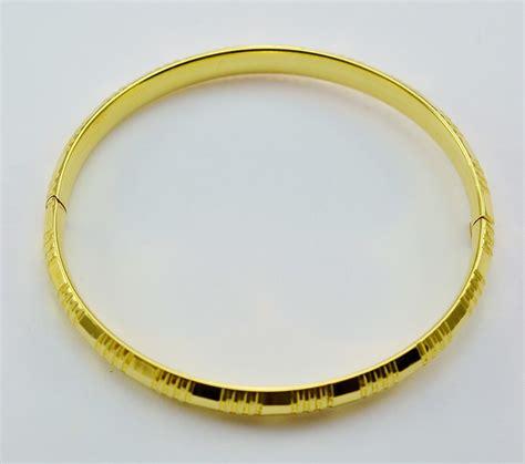 14k solid yellow gold ribbed style bangle bracelet