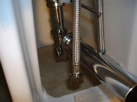 come montare un rubinetto a muro installazione con immagini di un bidet per bagno wc
