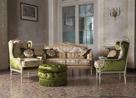 divano classico lusso divano classico struttura in legno per salotti di lusso