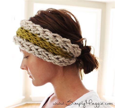 how to knit a warmer diy 15 minute finger knit ear warmer simplymaggie