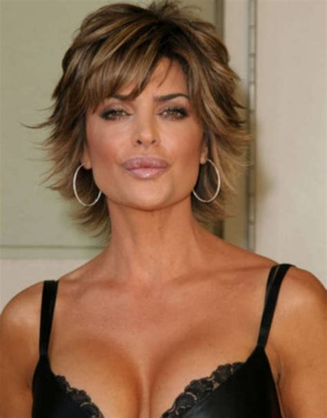 wispy and tapered ends hairstyle 15 lisa rinna hairstyles to inspire from wispy ends shaggy