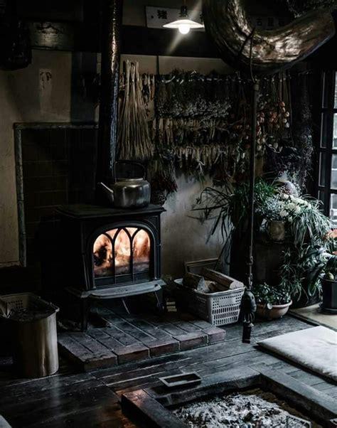 salon gothic