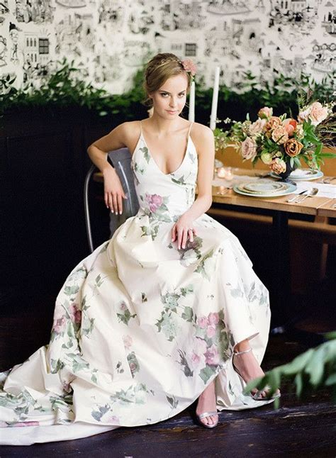 Garden Wedding Flower Dresses by Best 25 Floral Gown Ideas On Needle And