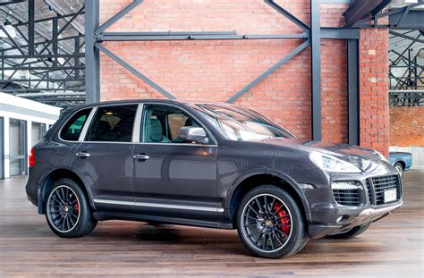 porsche cayenne turbo  richmonds classic