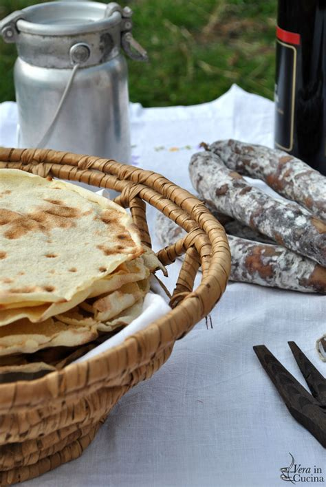 pane carasau fatto in casa pane carasau fatto in casa vera in cucina