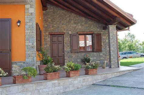 interni casa in pietra soggiorni rustici in pietra idee per il design della casa
