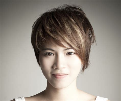 pixie haircuts with high forehead dashing short hairstyles for people with big foreheads