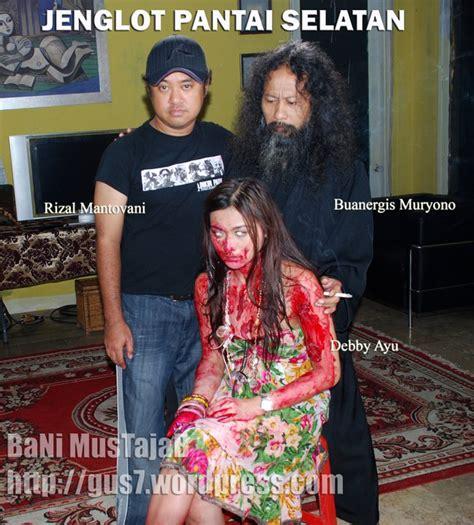 film horor indonesia jenglot pantai selatan saya review review jenglot pantai selatan 2011