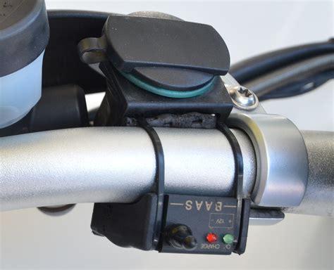 Motorrad Batterie über 12v Steckdose Laden by Baas Motorrad Zigarettenanz 252 Nder Steckdose Za04 12 Volt