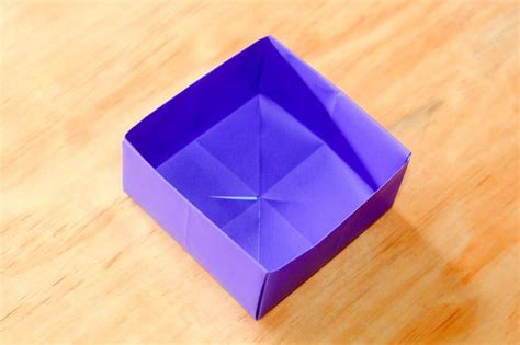 Folding Origami Box - how to fold a paper box