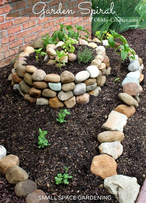 How To Create A Small Vegetable Garden Using A Garden Spiral Creating A Vegetable Garden