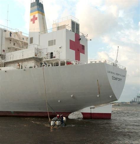 usns mercy and comfort usns mercy and usns comfort 104 pics