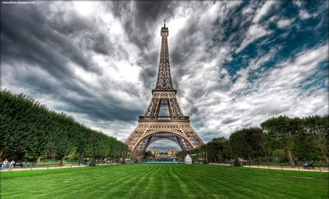 wallpaper keren paris foto foto terindah menara eiffel paris prancis