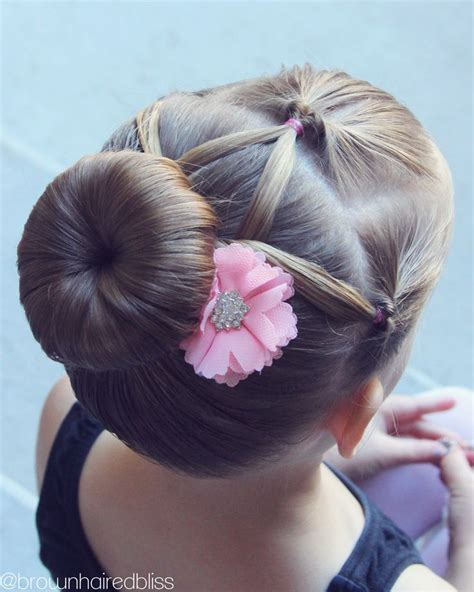 hairstyles for dance party 25 best ideas about ballet buns on pinterest ballet