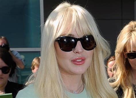 Paparazzo Hits Lindsay Lohans Car by Lindsay Lohan Hits With Car Say L A Now