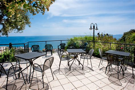 terrazzi sul mare terrazza con vista sul mare san francesco varigotti