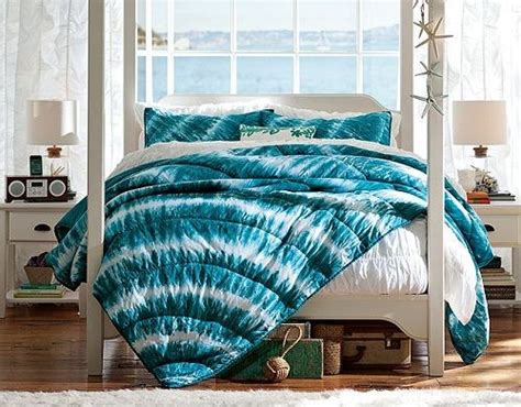 tie dye bedroom girls bedroom ideas using blue tie dye bedding crafts