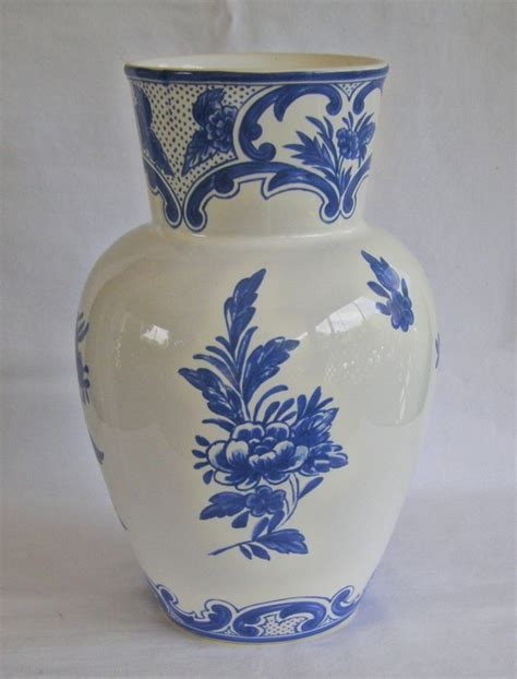 And Co Vase by 17 Best Images About Co On Delft Necklace And Vase