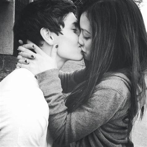 girl kiss themes beautiful black and white couple cute kiss kissing