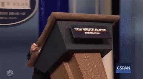 'snl': melissa mccarthy skewers white house press sec