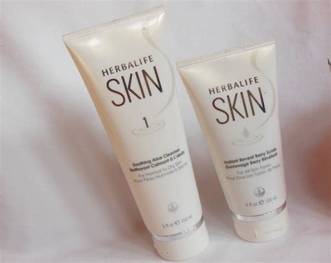 Skin Instant Reveal Berry Scrub herbalife skin soothing aloe cleanser and instant reveal berry scrub review swatches