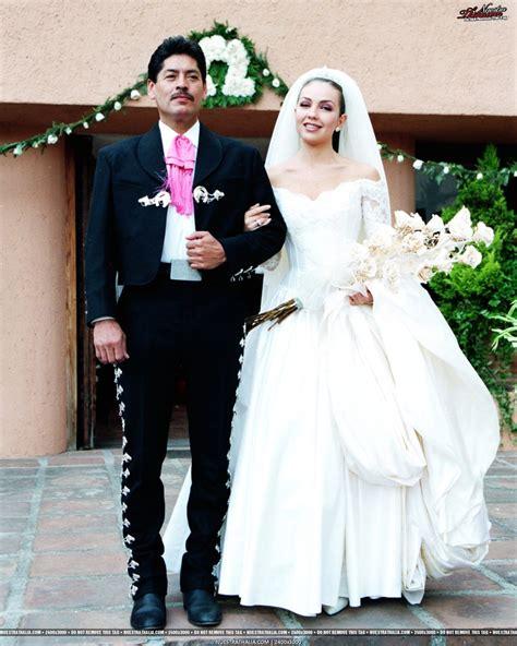 Novel Wedding Thalia Ebook 153 best thalia telenovelas images on thalia gifs and feminine