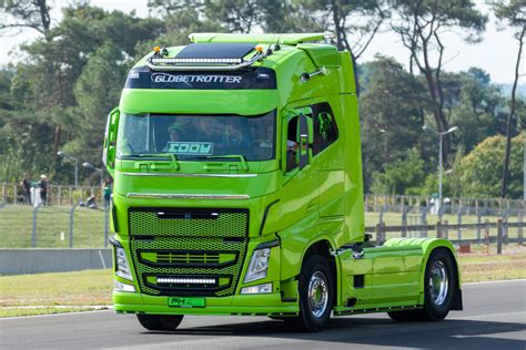 volvo truck images volvo truck images hd volvo truck pictures free to