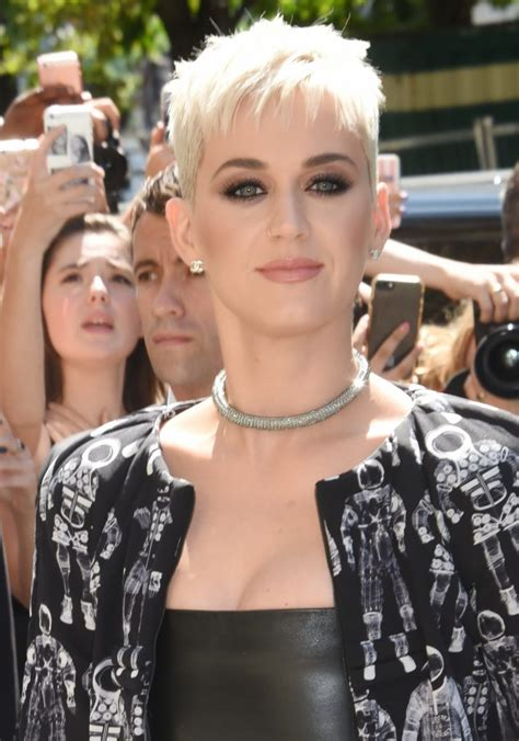 miley cyrus haircut instructions 12 gorgeous celebrity short haircuts to inspire you to