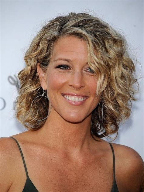 short curly hairstyles for older women leaftv photo gallery of short haircuts for older women with curly