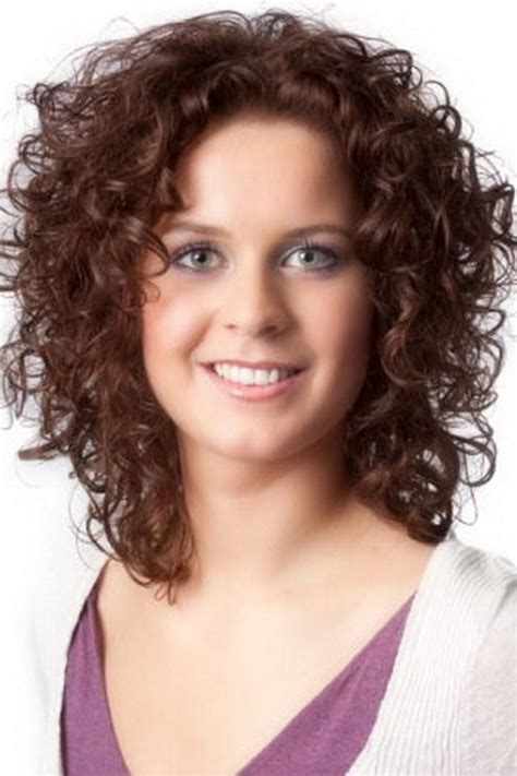 Hairstyles For Curly Medium Hair by Medium Length Layered Hairstyles Thick Curly Hair