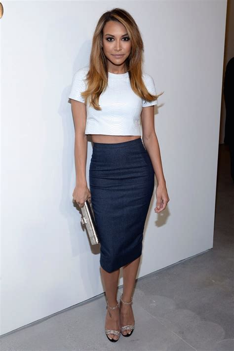 the pencil skirt why all it the fashion