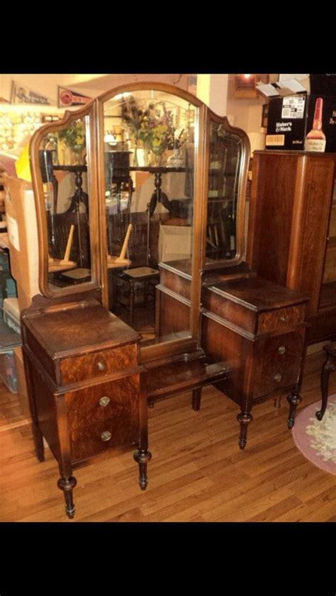 Antique Dresser Vanity Antique Vanity Dresser 3 Way Mirror 6 Drawers