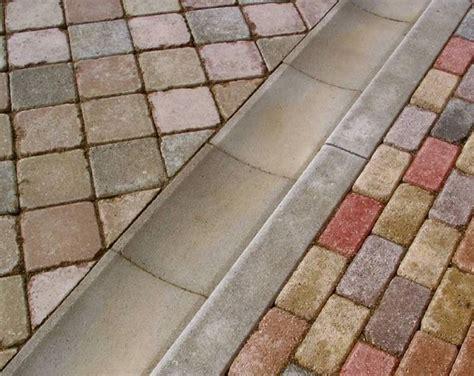 cordoli in cemento per giardino prezzi cordoli per aiuole materiali per il giardino