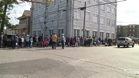 Cash Money Turkey Giveaway - cash money s annual turkey giveaway brings thousands to central city wgno