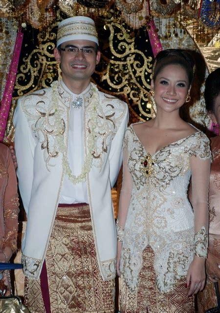 baju pengantin gemuk 17 best images about kebaya on pinterest kebaya lace