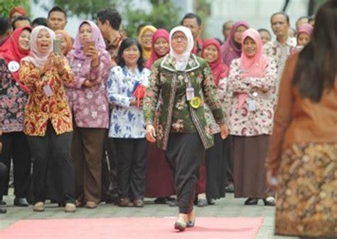 Hem Batik Motif Jokowi B60917001l Kemeja Batik Kantor Modis Murah baju batik dharma wanita dengan pakaian seragam dwp dwp