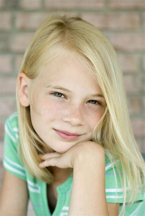 why do the blonde women on young and restless have darker hair attractive young blonde haired girl stock image image of