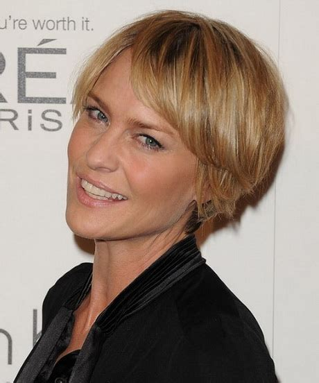 best short hairstyles for women over 40 stylehitz best hair cuts for women in their 40s