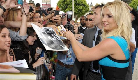 Britneys Assistant No Longer A Fan by Yakiriwe Nk Umwamikazi I Tel Aviv Muri