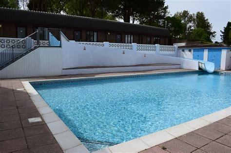 Backyard Rescue Pools 21 Fantastic Swimming Pools With Slides Dorset Pixelmari