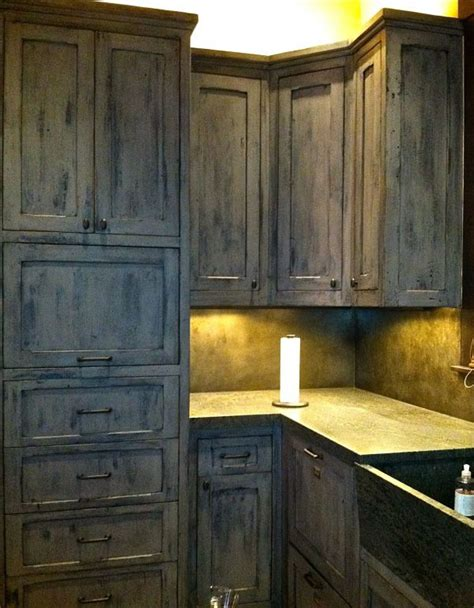 Antiquing White Kitchen Cabinets by Faux Finishing Cabinets And Furniture