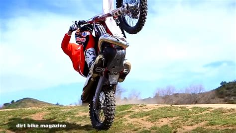 how to wheelie a motocross bike how to slow wheelie with geoff aaron dirt bike magazine